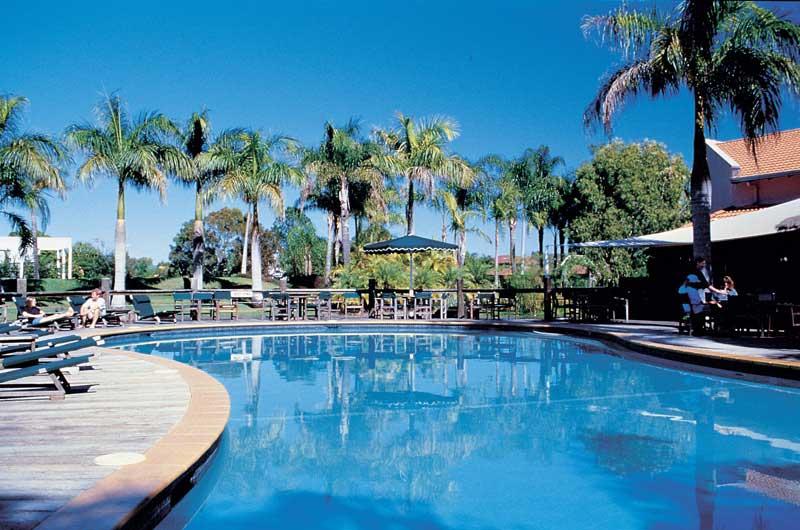 oaks oasis resort sunshine coast h tel 4 toiles. Black Bedroom Furniture Sets. Home Design Ideas
