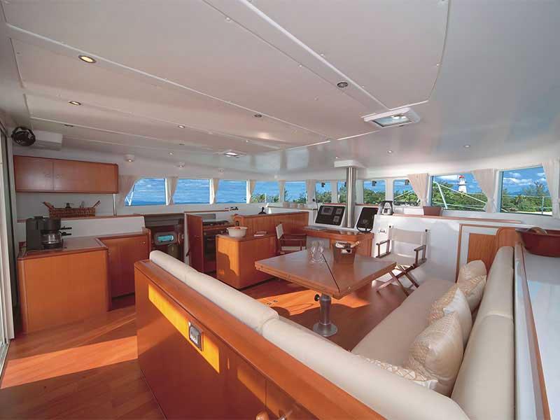 https://australie-a-la-carte.com/lien_rechercher/publ_images/productimage/australie_queensland_port_douglas_sailaway_interior.jpg